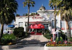 Casino de Saint-Raphaël de Barrière.